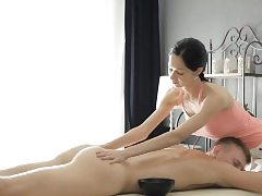 Fantastic masseur Emma Cums gets twat rammed by her wild client