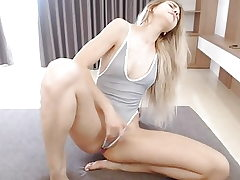 Platinum-blonde Climax Webcam