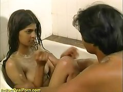 Fresh, Indian babe had a relieving bath and then had casual hook-up with her boy